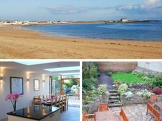 Spacious Elie Holiday House Ideally Situated Between Gently Shelving Blue Flag B