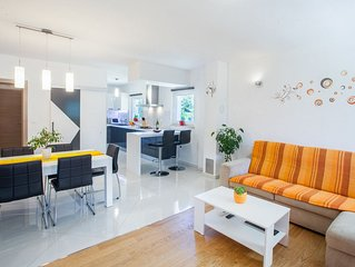 New House Freeda****with whirlpool,WiFi, 4 bikes in price,Grill, Kids playground