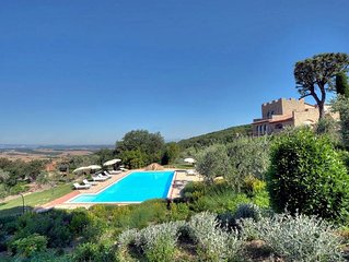 Stunning  independent villa with private pool situated in the heart of Tuscany