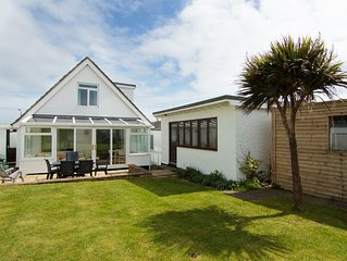 Superb family getaway, excellent location, south facing garden, pet friendly