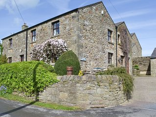 6 bedroom accommodation in Ribchester