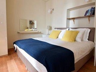 Luxurious Art Apartment AR2