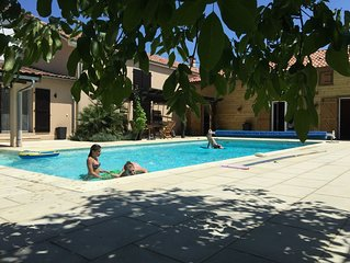 3 Bedroom Gite With Heated Pool, Stunning Views Of French Countryside