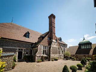 Manor House Sleeps 14, 350 acres, cinema, games room, private beach FROM £35 PP