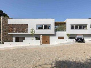 A Unique and Luxurious Villa near Skiathos Town