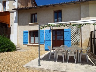 Juniper - Cottage With South Facing Views - Sleeps 4 (2 Bedrooms)