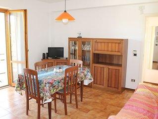 Luminoso appartamento con tre camere e posto auto privato