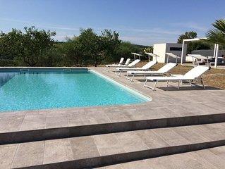Villa indipendente con piscina privata, 5 minuti dal mare, aria condizionata