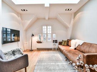 5 STAR Loft apartment + Complimentary Mercedes E transfer & Premium Champagne