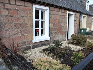 Central Cottage near River Ness