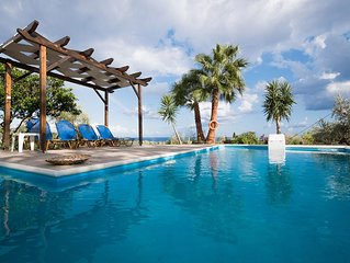 Newly refurbished & redecorated  Aug. 2017  with private pool and stunning view