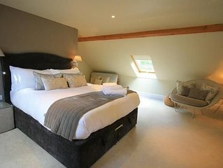 The Lodge at Larchmont is beautifully decorated and newly equipped 1 bed cottage