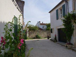 Le Bois Plage En Re: maison individuelle au coeur du village classée 2**