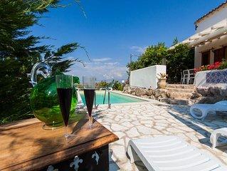 Antico pozzo:villa con piscina ,SPA,vista mare,15 m da Scopello