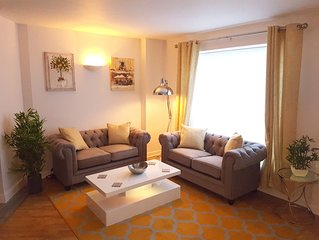 ⭐️Spacious, Bright & Modern. Ideal for groups⭐️