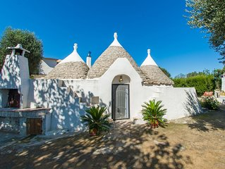 Beautiful 18th Century Trullo in the middle of the Puglian countryside