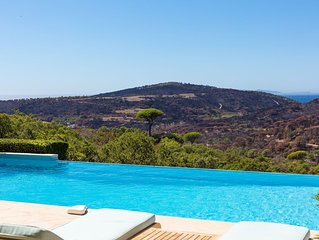 Stunning Villa With Sea Views a short walk away from the beach