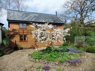 Charming 2 bedroom cottage in tranquil valley, perfect for families or couples