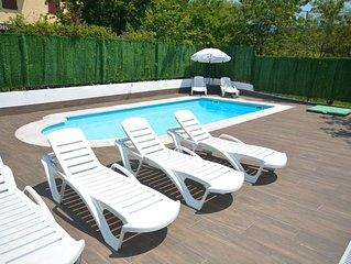 Apartamento de diseño con piscina cerca de san sebastian a estrenar