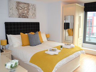 ✰STUNNING Superior 3 Bed Penthouse w/ Balcony VIP✰