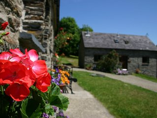 The Granary * Troedyrhiw Holiday Cottages, Cardigan Bay, West Coast of Wales