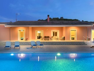 Peaceful 9 guest villa with extra-large pool, just 1 min walk from the beach