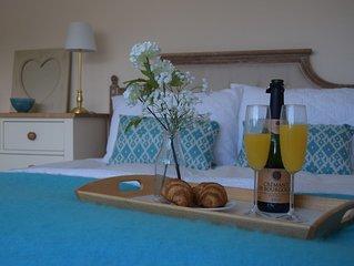 Right in Porlock village centre, 4 bedrooms, 4 bathrooms! Sleeps 8 in comfort