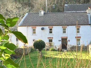 Character Riverside Cottage - 3 miles to St Davids