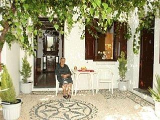 Leonidas Studio Apartment - On A Hillside In A Quiet Position!