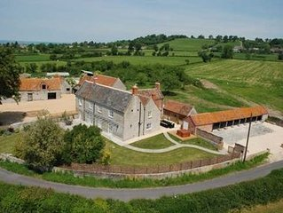 Stylishly renovated farmhouse with hot tub in rural Somerset