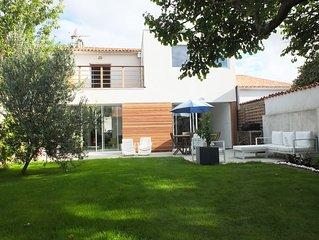 A 300 m de la mer et a 10 mn de La Rochelle, maison de village avec jardin et pa