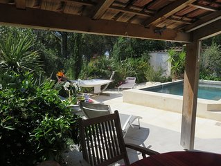 Dans un Ecrin de Verdure, Belle Villa Provençale. Situation Exceptionnelle !!