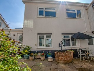 A pretty seaside cottage, situated in the heart of Seaton.