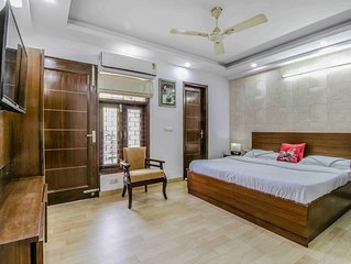 Stay in Posh Central Delhi  near City Center ,family friendly,Private .