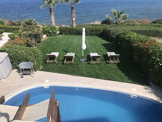 Stunning Seafront 2 Bedroom Villa with Private Pool