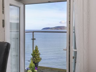3 The Coach House - Penthouse Apartment, RED WHARF BAY