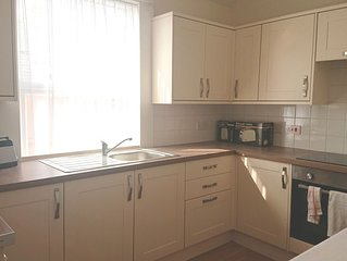 2 Bedroom Apartment in Borth near Sea front with views over Cambrian Mountains