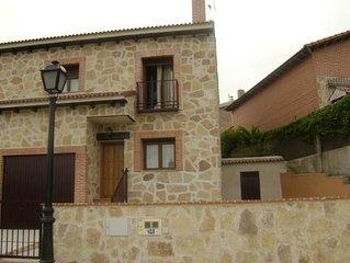 Casa La Jorá. Chalet en Burgohondo