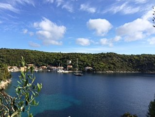 2 bed traditional renovated house with panoramic sea views in Kioni, Ithaca