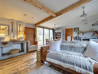The Nutshell - One Bedroom House, Sleeps 2
