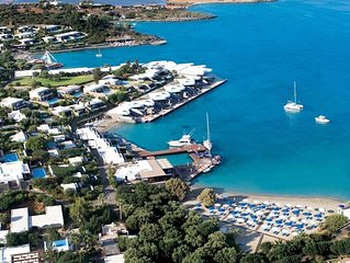 Wellness Waterfront Island Suite