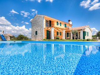 Charming Villa with private pool near Svetvincenat