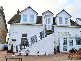 Hazel Bank Villa holiday Apartment, Dunoon, pet friendly, sleeps 4