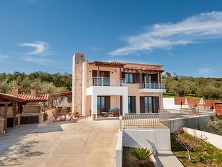 Luxury villa with private pool, relaxing place and magnificent view