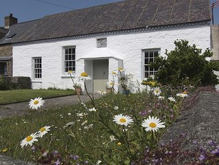 Boutique coastal retreat In Lovely Hamlet Near Amazing Beaches and St Davids