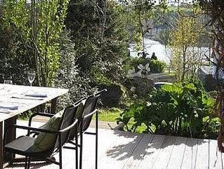 Stunning Modern Home In Lakeside Village Location