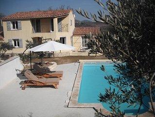 Charmante villa au calme avec piscine privee dans le Luberon, parking, wifi