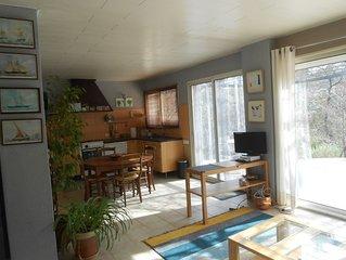 appartement independant dans une villa sur Grand  terrain arbore a 10mn d'Aix
