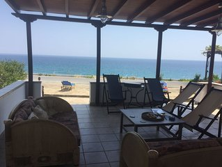 Appartement direct aan zee met grote veranda voor max 4 personen