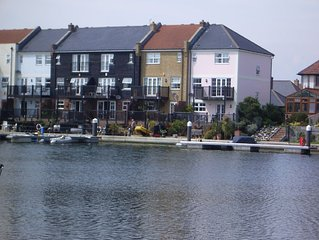 Luxurious 4 bedroom semi-detached town house on the waterfront dble garage&2spac